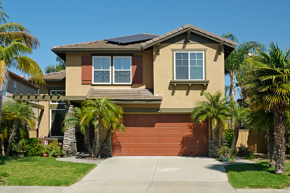 Typical,Generic,Suburban,Single,Family,Tract,Home,With,Built-in,Garage